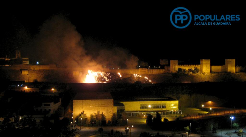 Castillo de Alcalá de Guadaira incendio por abandono