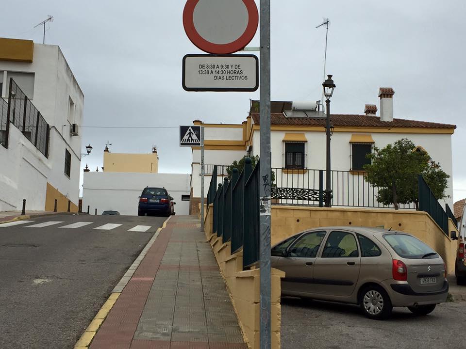 CEIP-hermelindanunez-concejales-calle2-bolardos