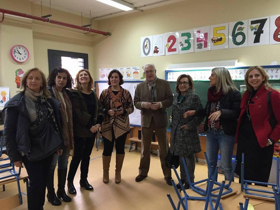 """Los Parlamentarios del PP visitando el CEIP """"Los Cercadillos"""""""