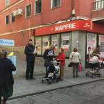 En la Calle Mairena, tus Concejales del PP trabajan más cerca de ti sacando su oficina a la calle.