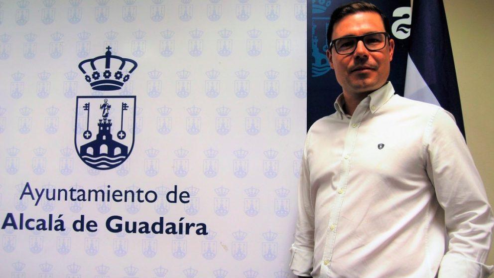 El delegado de Hacienda, Jesús Mora, impide a nuestra portavoz municipal el uso de la sala de prensa y amenaza con desmontarla
