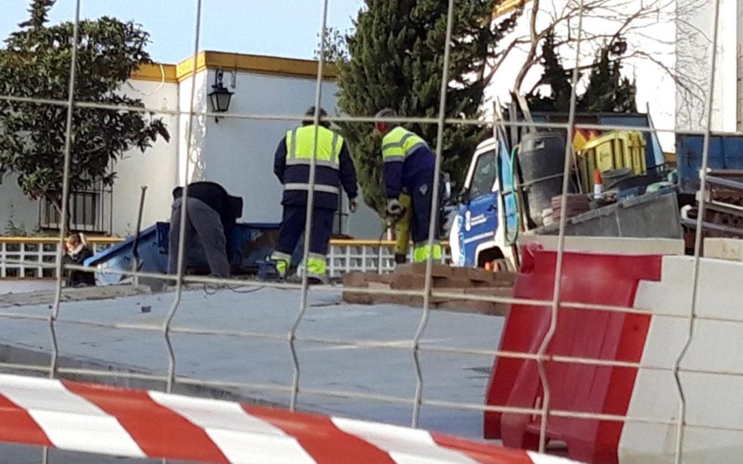 El PP de Alcalá exigirá explicaciones al Gobierno de Jiménez tras levantar parte de la solería de la Plaza Cristo de la Bondad sólo días después de colocarla