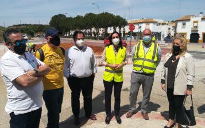 La Junta ya construye la nueva glorieta para mejorar el acceso al barrio de La Nocla