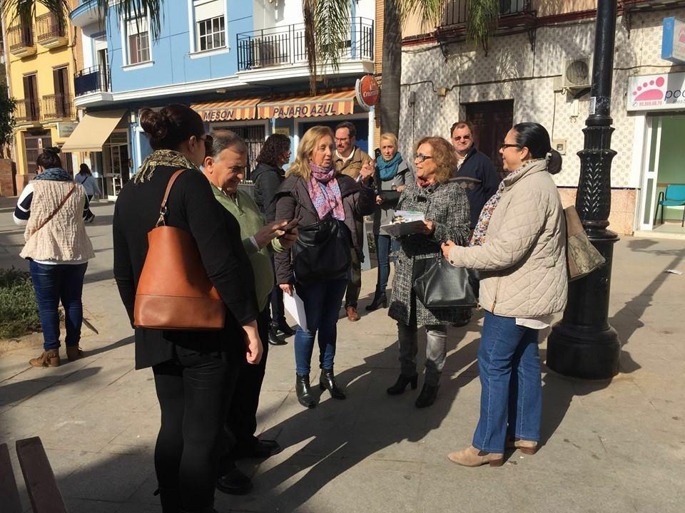 Los Concejales del PP trabajando cerca de ti, sacan su oficina a la calle [5]