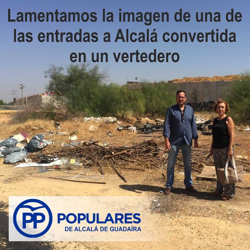 La entrada de Alcalá presenta acumulación de escombros y basura ilegales